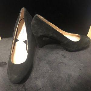 Adrienne Vittadini heels like new!
